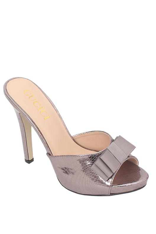 Gucici Grey Patent Leather Heel Slipper