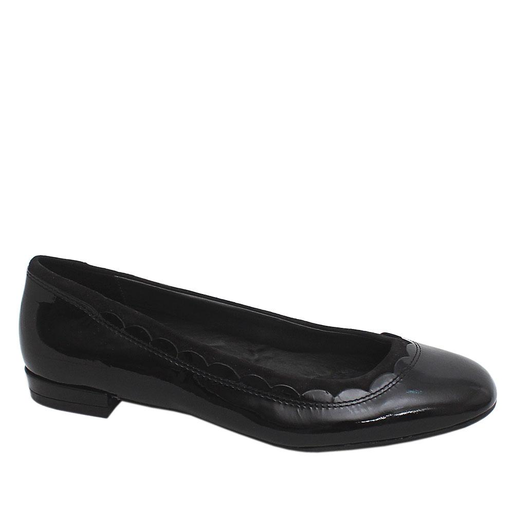 Footglove Black Patent Leather Ladies Flat Shoe