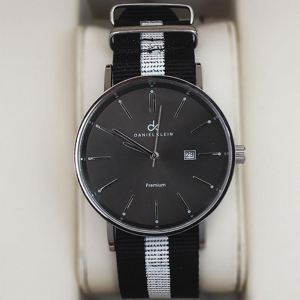 Daniel Klein Adventura Watch wt Black-White Fabric Strap