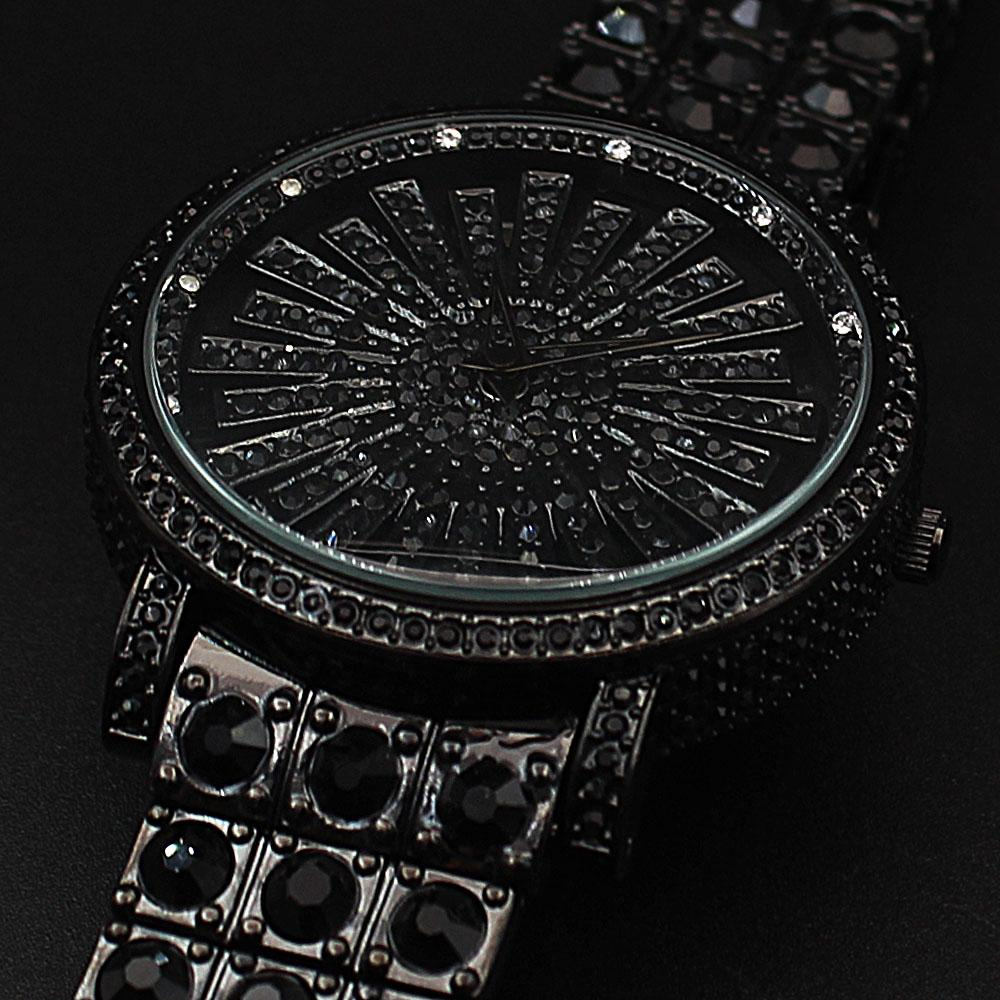 Davinchi Crystals Studded Gisela Black Big Spinner Watch