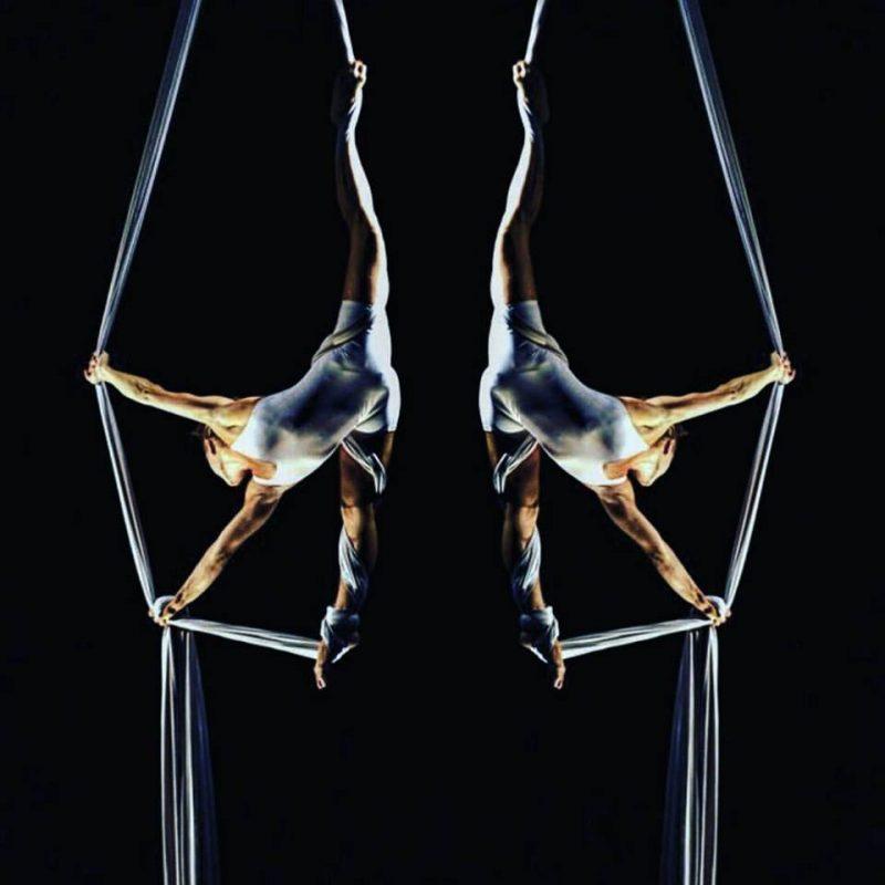 Oggi a Mirabello giocolieri, acrobati, attori e musicisti