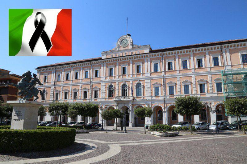 Terremoto, domani lutto nazionale: il comune capoluogo annulla tutti gli eventi