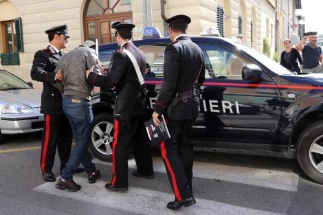 Scappa dalla comunità per farsi arrestare, 25enne in manette