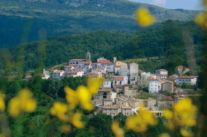 Un guida al turismo sostenibile, si presenta a Castel del Giudice 'Agenda 17'