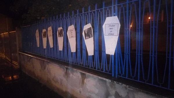 Sicurezza nelle scuole, azione shock del Blocco Studentesco