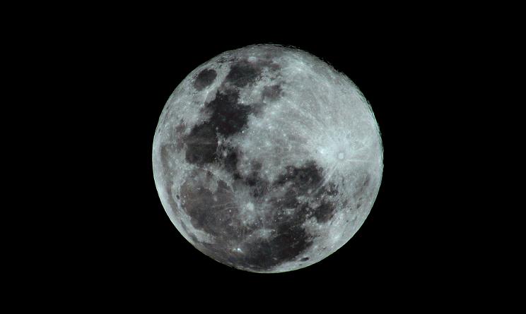 Stanotte tutti col naso all'insù per vedere la Superluna