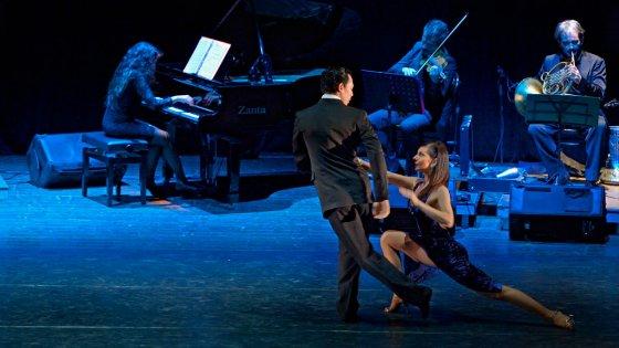 """""""Mitico Tango"""", al Teatro Savoia danza e musica con Erica Boaglio e Adrian Aragon"""