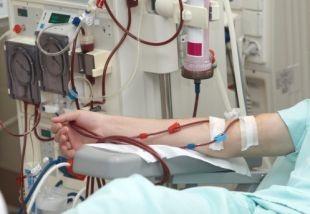 Muore in auto tornando dalla dialisi