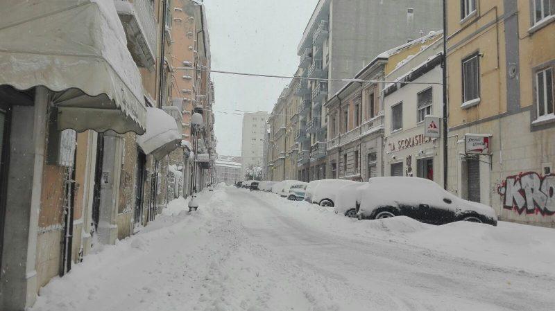 Nuova allerta meteo, stanotte sul capoluogo altri 20 centimetri di neve