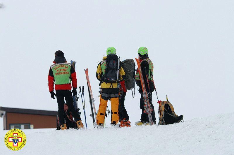 Emergenza neve, il Soccorso Alpino in prima linea a sostegno della popolazione