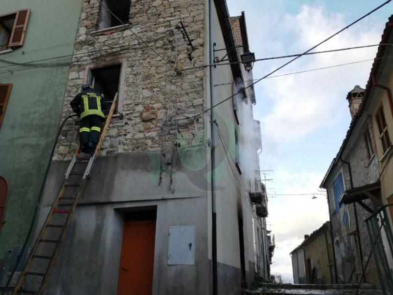 Salcito, a fuoco appartamento (SEGNALAZIONE)