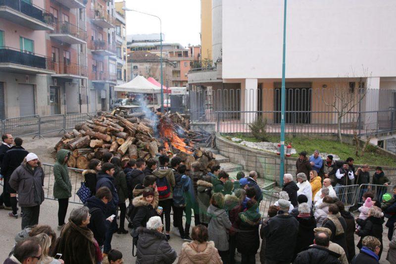 Festa di Sant'Antonio Abate, il racconto dei festeggiamenti rinviati il 17 gennaio