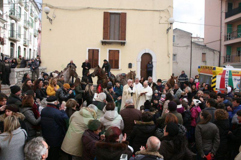 Sant'Antonio Abate, il rito si ripete