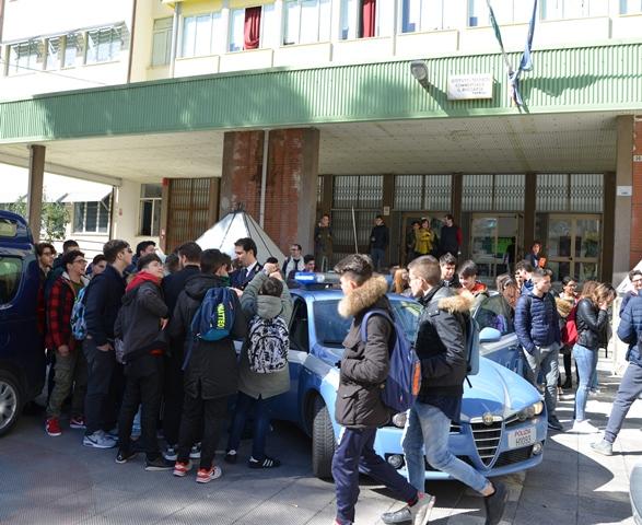 """""""Scuola Aperta"""", la Polizia di Stato all'I.T.C. """"Boccardo"""""""