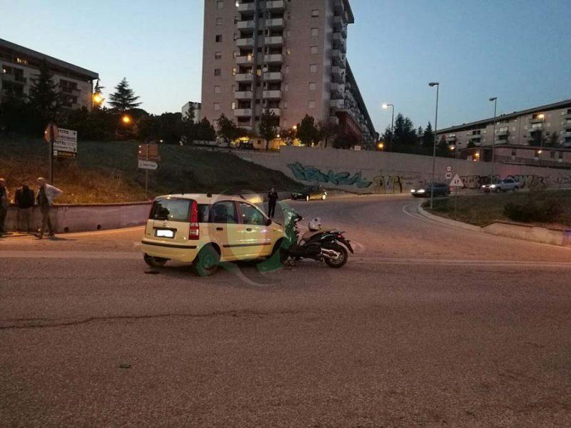 Scooter contro Panda, grande spavento a via Puglia