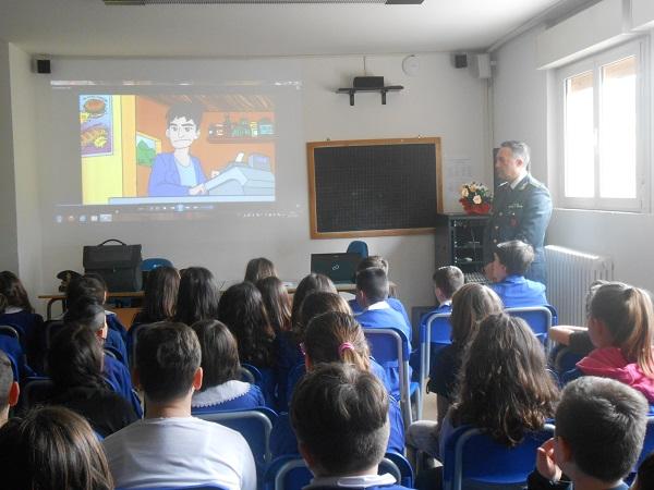 Educazione alla legalità economica, le Fiamme Gialle incontrano gli studenti