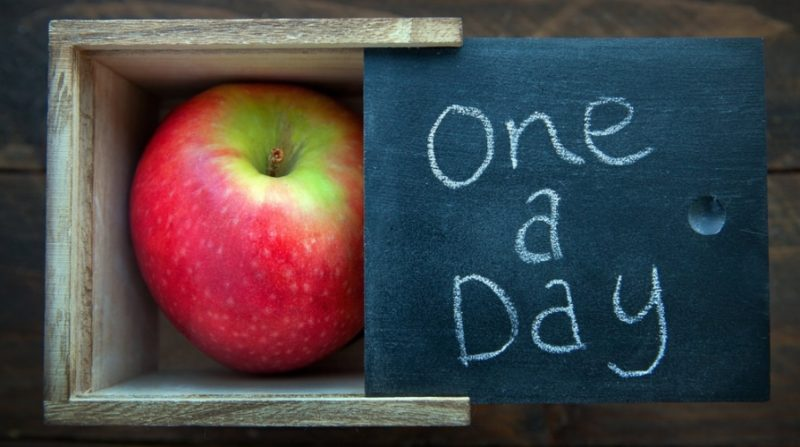 """""""Una mela al giorno toglie il medico di torno"""", il 2 aprile torna la giornata di prevenzione"""