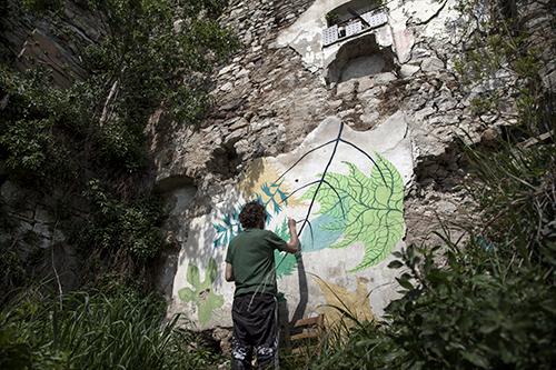 Gola 'sfida' la frana e regala i primi due murales al CVTà Street Fest