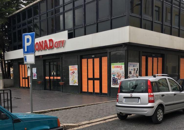 Colpo al Conad City, chiuse le indagini: morto l'autore della rapina