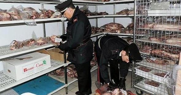 Carne e latticini in pessimo stato, sequestro dei Carabinieri