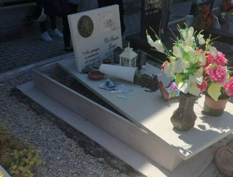 Raid vandalico all'interno del cimitero (FOTO)
