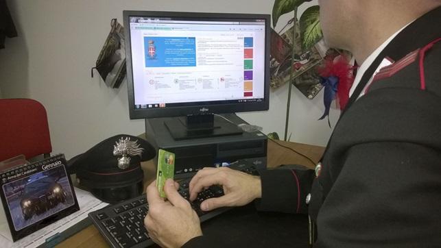 Vende online smartphone inesistente, truffatrice seriale incastrata dai Carabinieri