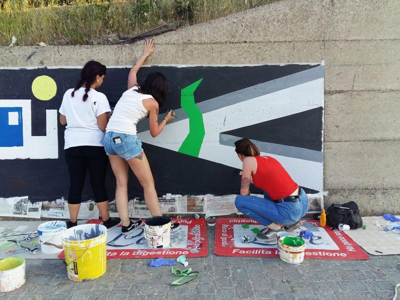 I ragazzi del liceo artistico decorano la città