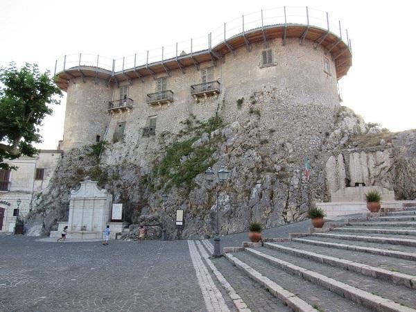 Il castello di Macchiagodena sede nazionale dei Borghi della Lettura