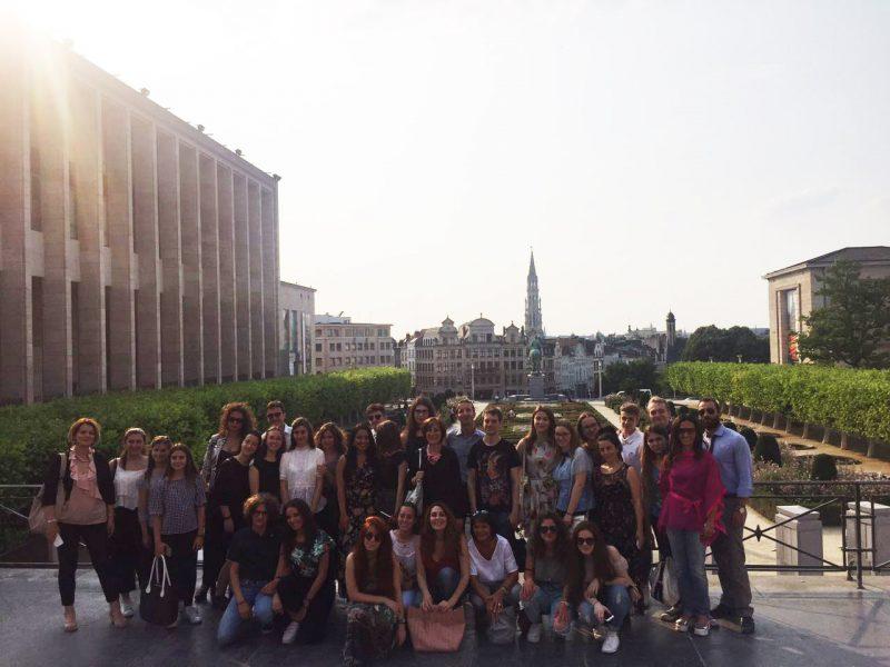 Attentato sventato a Bruxelles, gruppo di studenti italiani bloccati in un ristorante