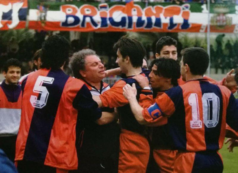 Il calcio rossoblù piange mister Mario Russo