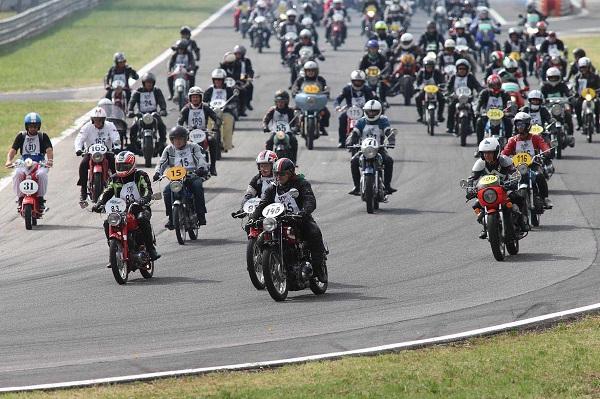 Milano-Taranto, la storica maratona di moto d'epoca fa tappa a Sessano del Molise