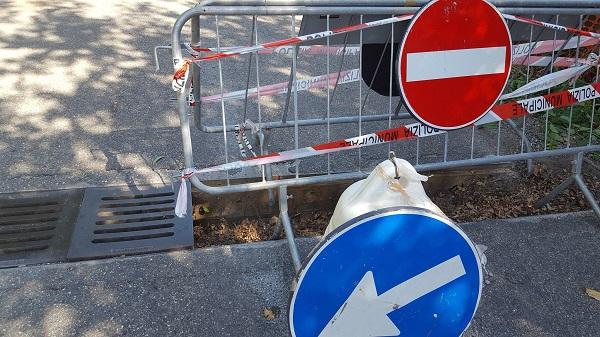 Rubate le griglie dei canali di scolo a Campomarino, area transennata