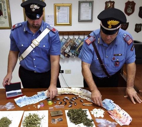 Beccati con hashish e marijuana, due giovani nei guai