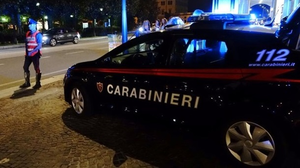 Cade in casa e non riesce a rialzarsi, 80enne soccorso dai Carabinieri