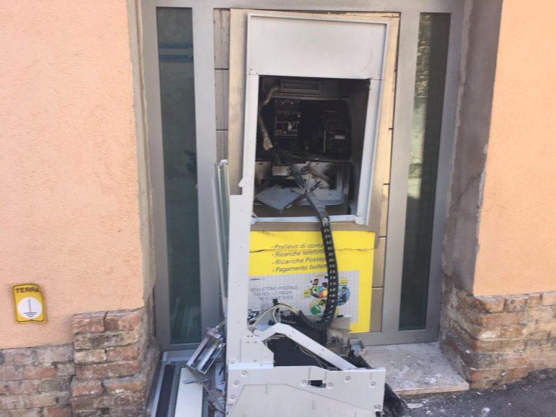 Portocannone, riapre l'ufficio postale distrutto da una bomba