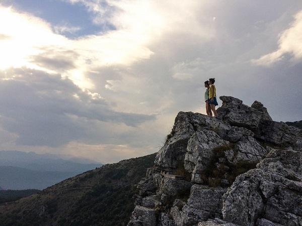 CULTURA – La strada del fare, il viaggio di due ragazze nella regione che (non) c'è