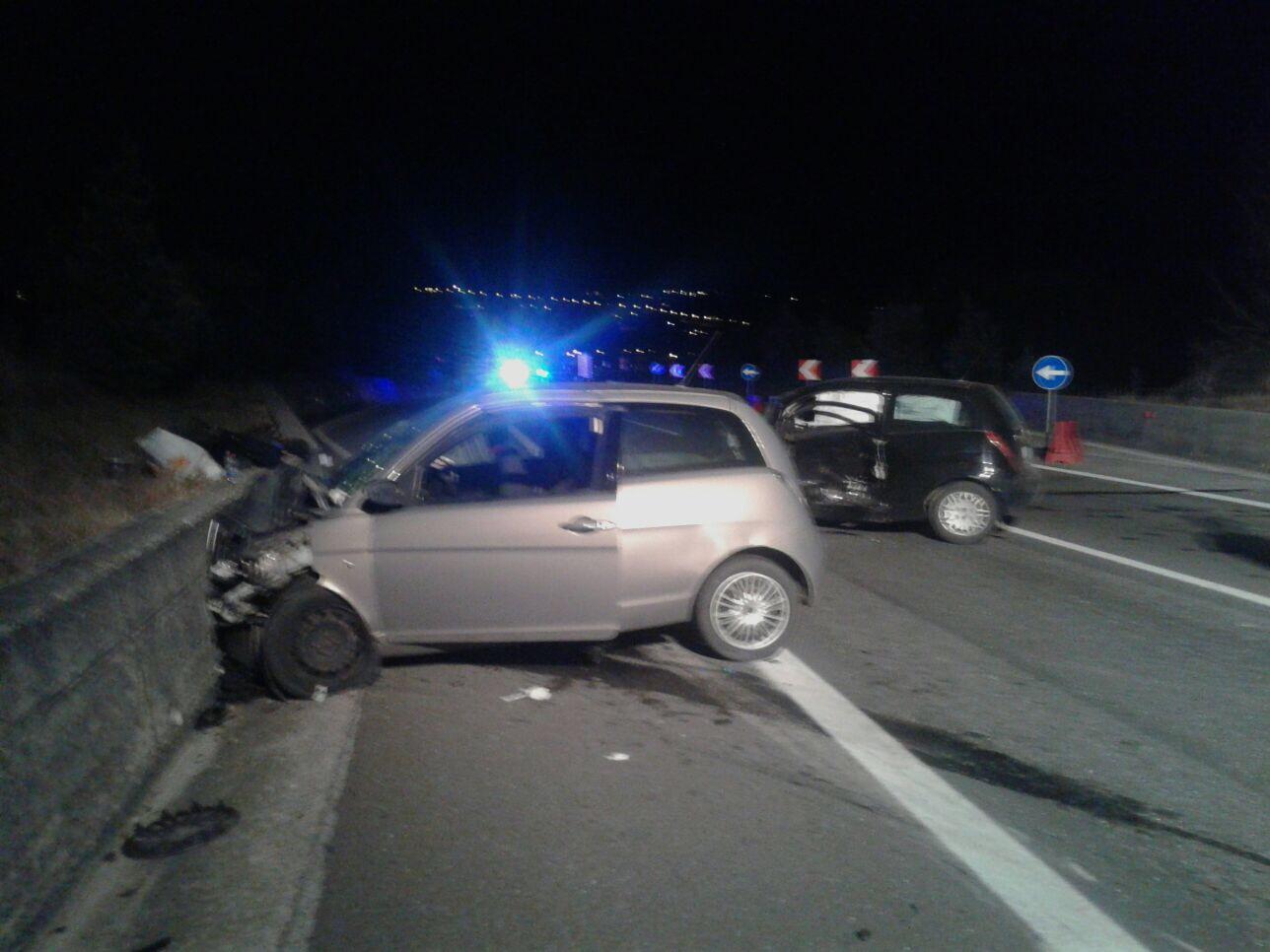 Incidente sulla tangenziale, gravi due automobilisti