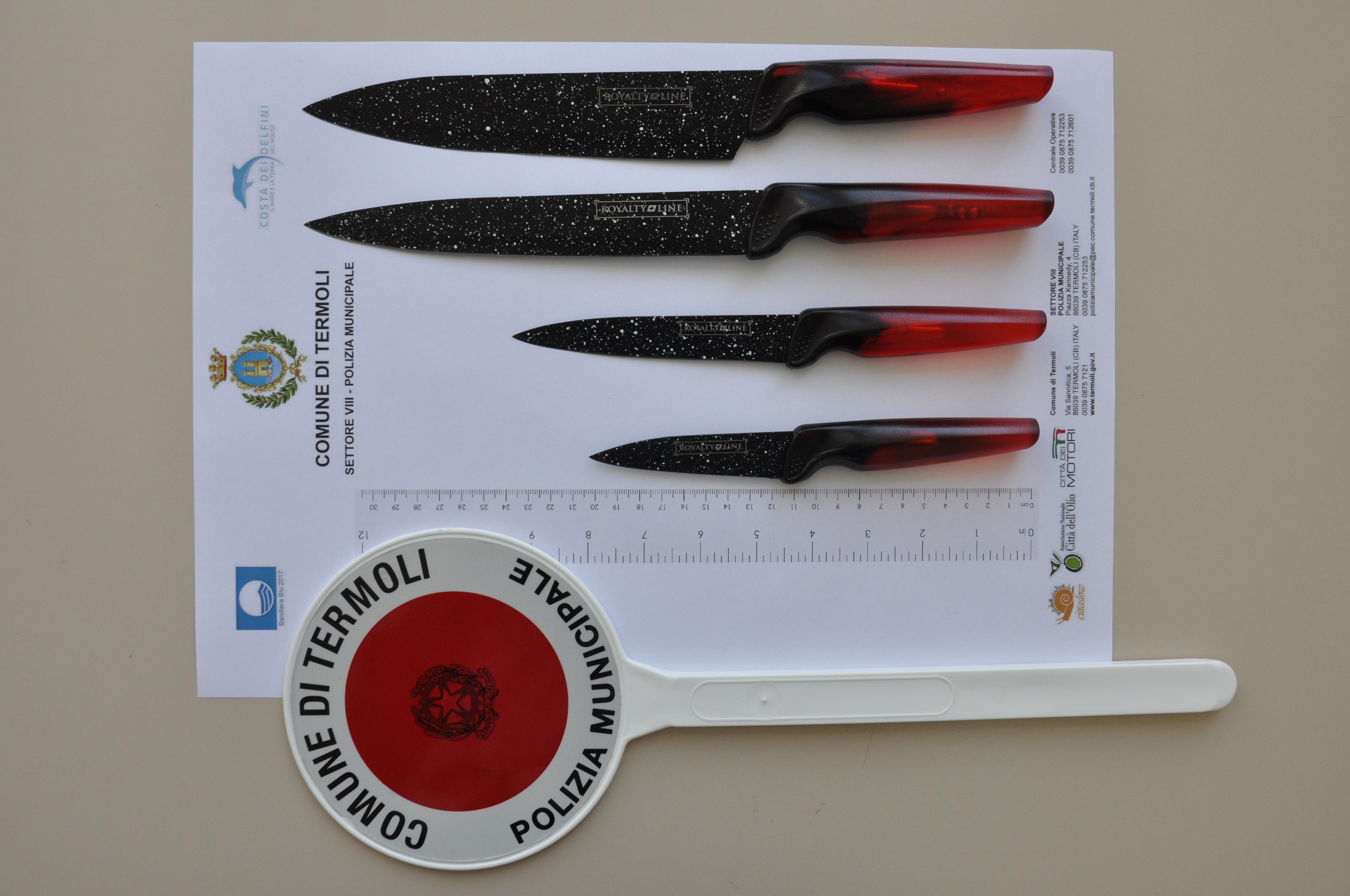 Termoli, la polizia municipale sequestra coltelli venduti lungo il corso