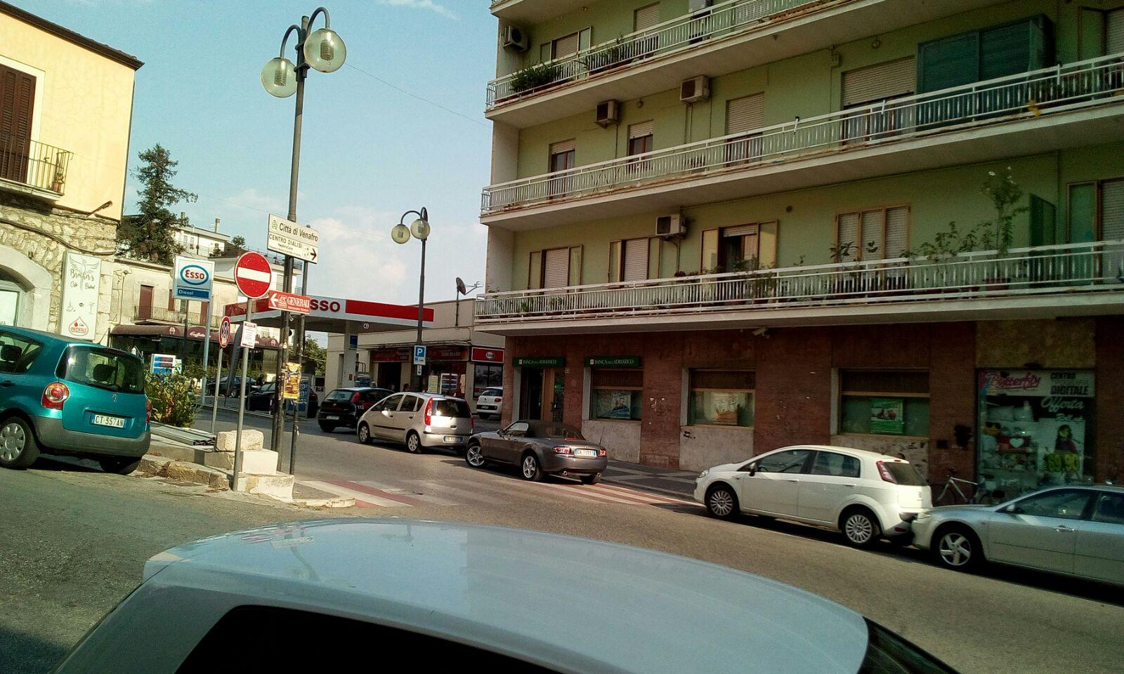 Rapina alla banca dell'Adriatico di Venafro, malvivente aggredisce cassiere e si fa consegnare i soldi