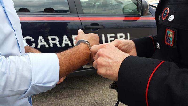 Ricercato per furti ai danni di anziani, 40enne arrestato dopo mesi di latitanza