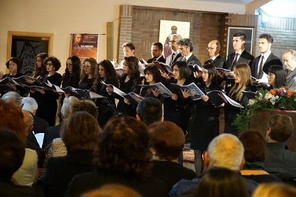 La Schola Cantorum 'Lino Cappello' omaggia Mons. Palumbo con il Requiem di Mozart