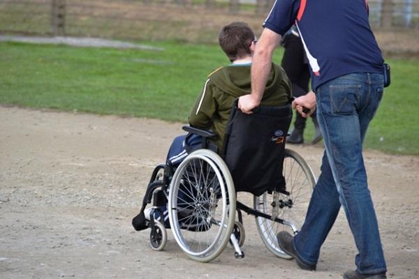 Assistenza domiciliare e percorsi formativi per i disabili, emanato il bando