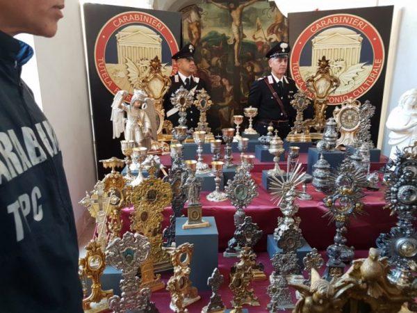 Domani i carabinieri restituiranno la statua ai monterodunesi la statua di San Michele ritrovata dopo il furto in chiesa