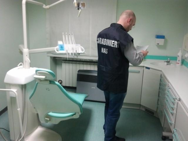 I Nas chiudono studi odontoiatrici in Molise
