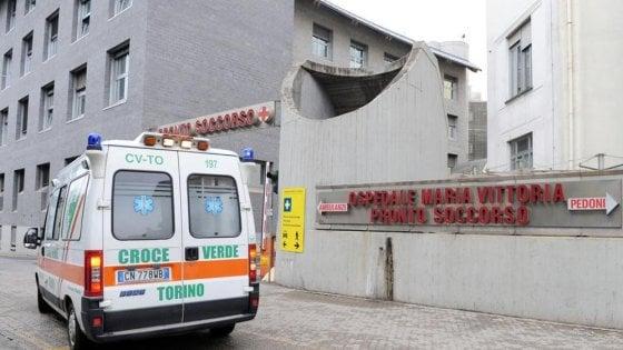 31enne incinta colpita da emorragia cerebrale: morta la donna, salva la bimba