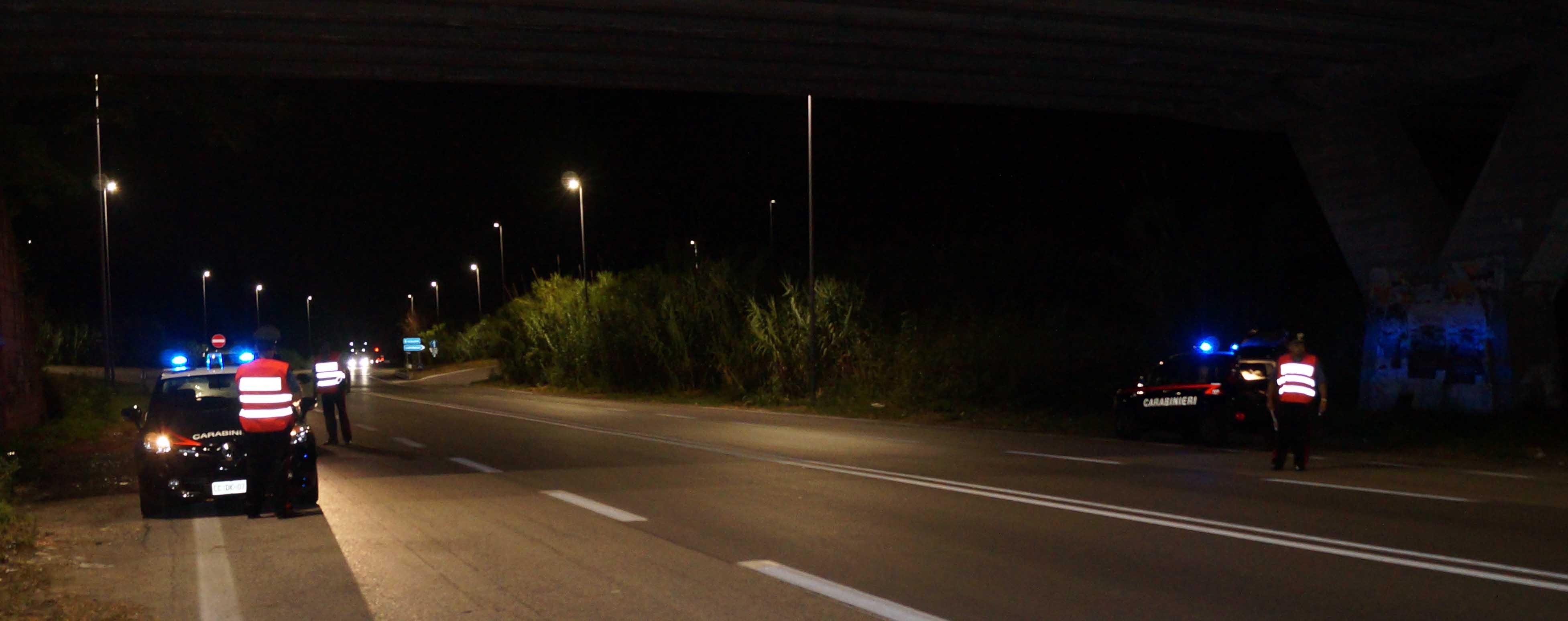 Forza un posto di blocco e scappa, recuperata dai Carabinieri un'auto rubata