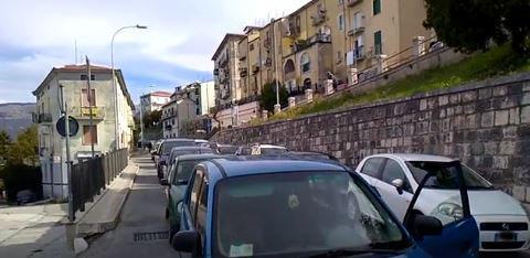 Gara ciclistica non segnalata: disagi e traffico in tilt