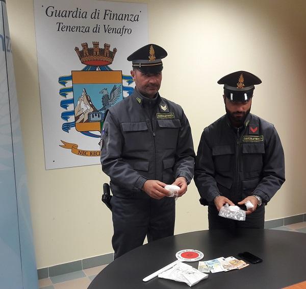 Cocaina pronta per lo spaccio, arrestato corriere