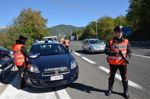 Droga e alcool alla guida, controlli dei Carabinieri