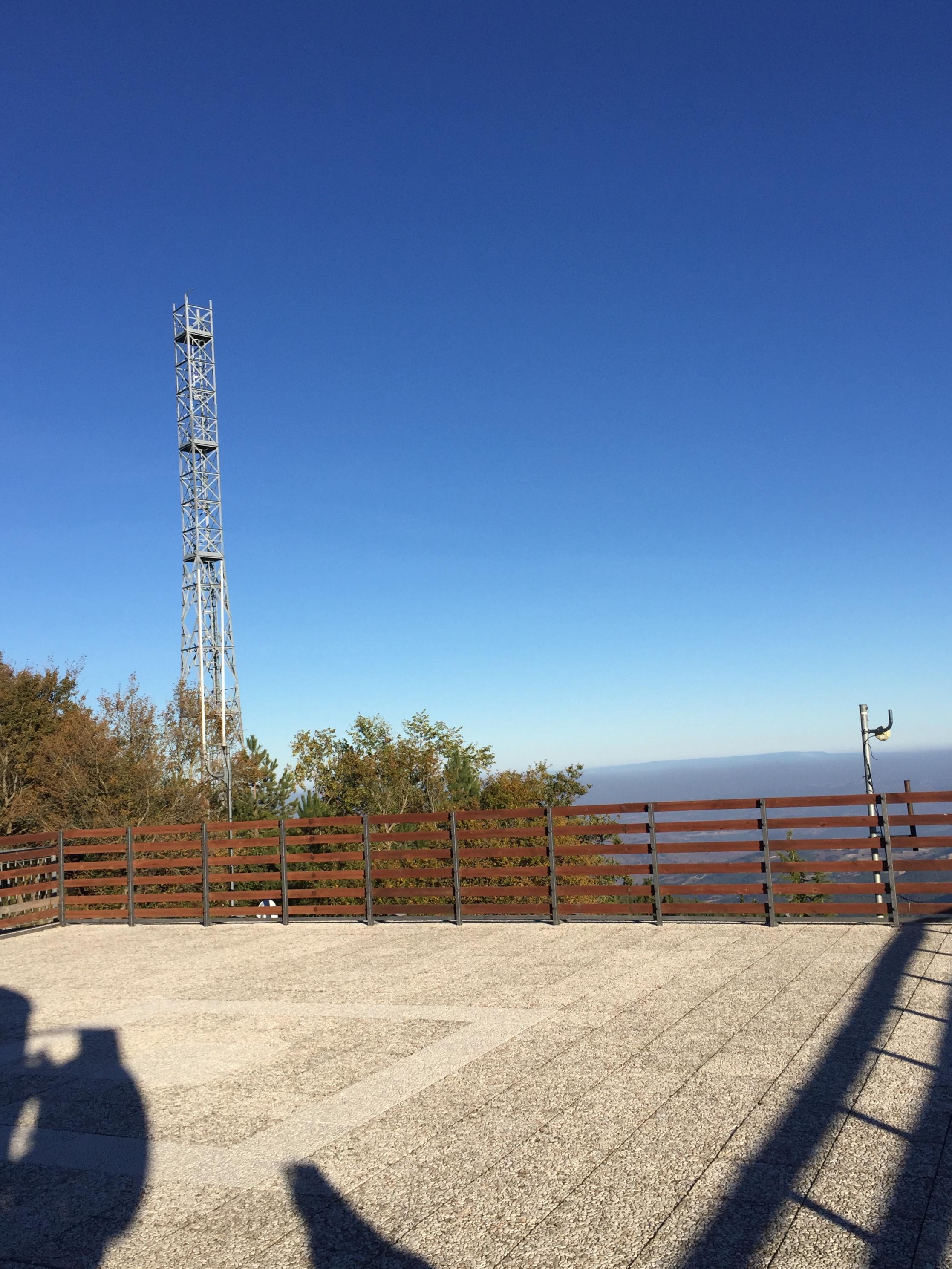 Traliccio davanti all'osservatorio astronomico, è polemica